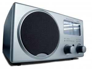 Escucha y graba emisoras de radio que emitan a través de Internet de todos los géneros musicales.
