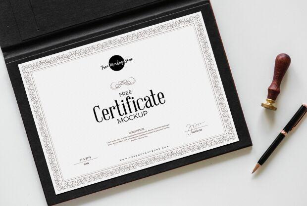 Certificado gratuito Mockup PSD-min