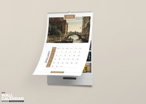 Calendario de pared gratuito Mockup